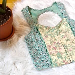 Urban Outfitters - Floral Crop Top